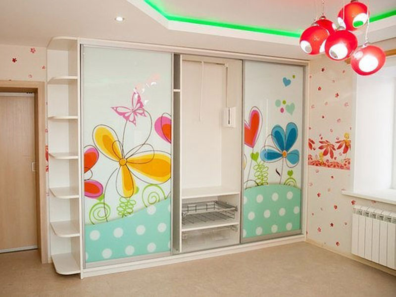 Фото шкафа-купе в детскую комнату