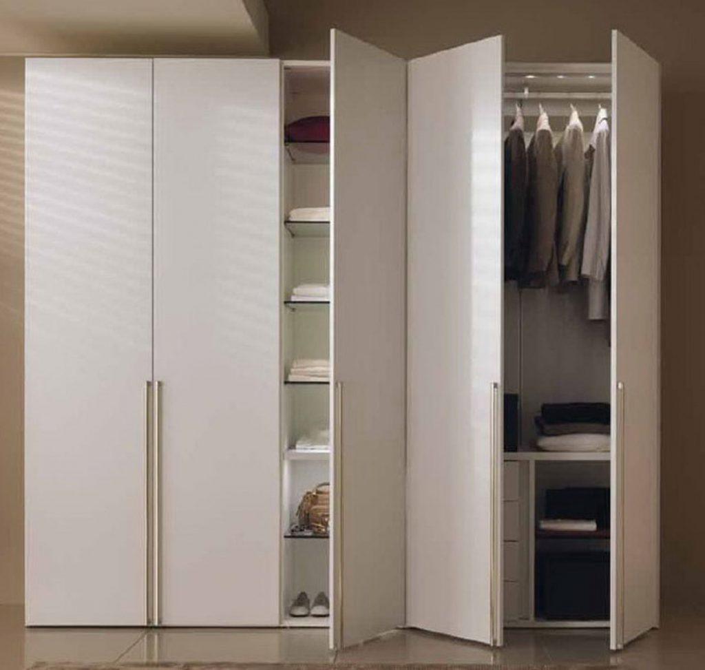 Фото белого распашного шкафа