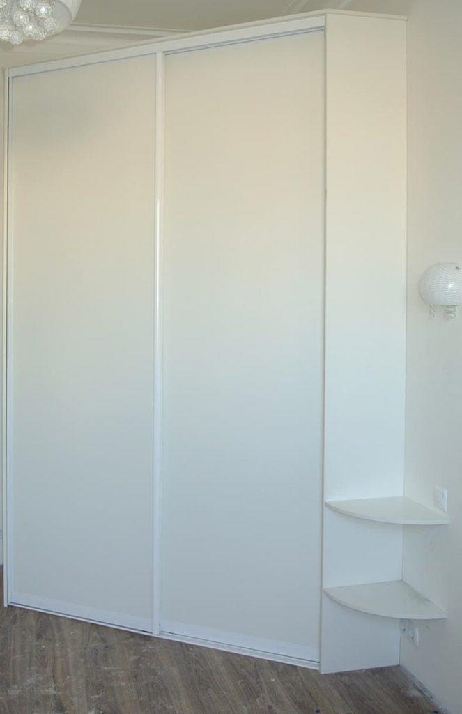 Фото гардеробаная двери купе из ЛДСП